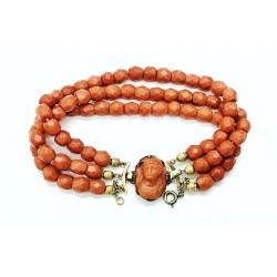 Bracelet perles de corail...